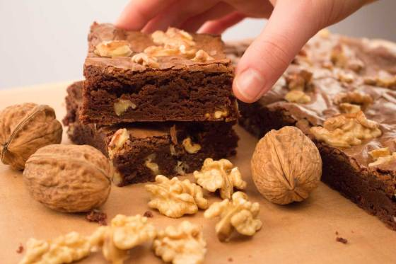 The-Stolen-Walnut-Brownie-RoseHartSweets
