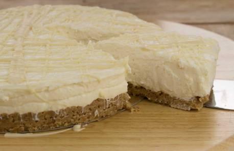 Whole-White-Chocolate-CheeseCake-RoseHartSweets