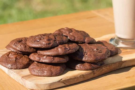 Ultra-Chewy-Cookies-RoseHartSweets