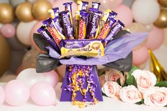 Boxed-Bouquet-RoseHartSweets