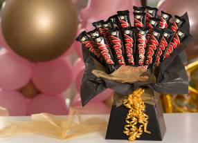 Mars-Boxed-Bouquet